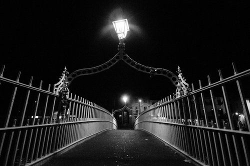 Hapenny bridge dublin black white