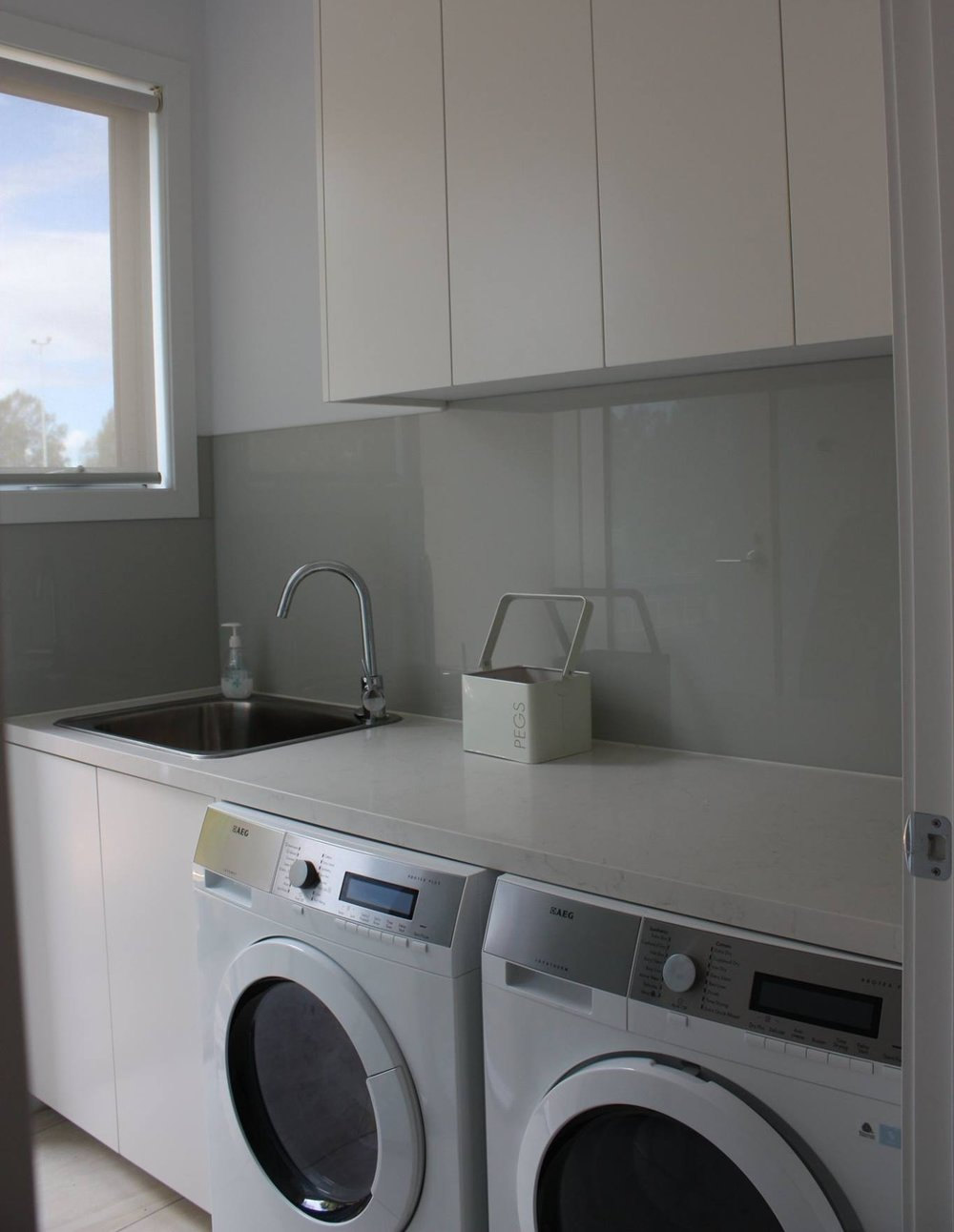 Scandi-White-Laundry.jpg