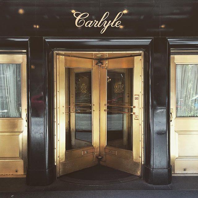 #doorsofnewyork @thecarlylehotel #inspiration #gold #original