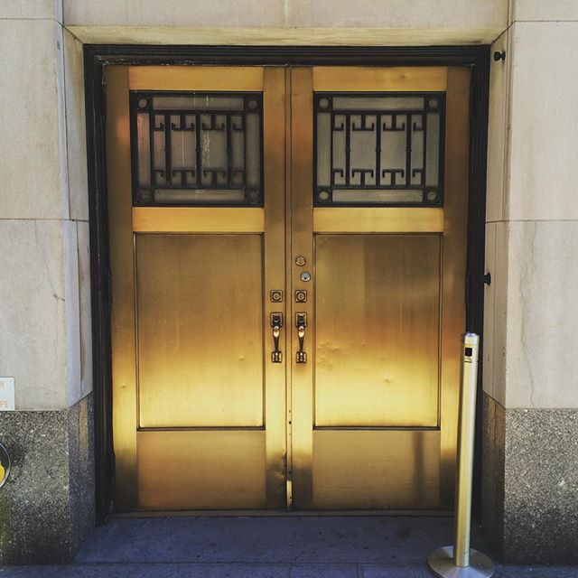 #doorsofnewyork #doubledoors #gold #inspiration #design #architecture #mindhatch #mindhatchcreative #NYC