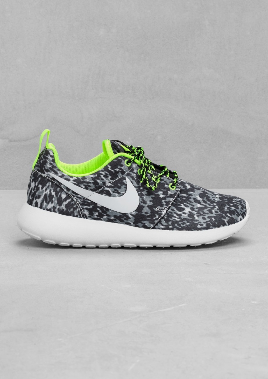 And Other Stories Neon Roshe Run