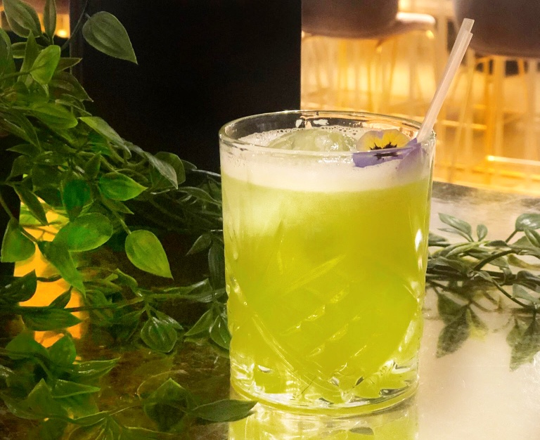 The Botanical by Harvey Nichols - Those gals over at Harvey Nichols are also fans of Seedlip. Their non-alcoholic bev suggestion is the Botanical, refreshing and herbal. The perfect drink for when you're not drinking.