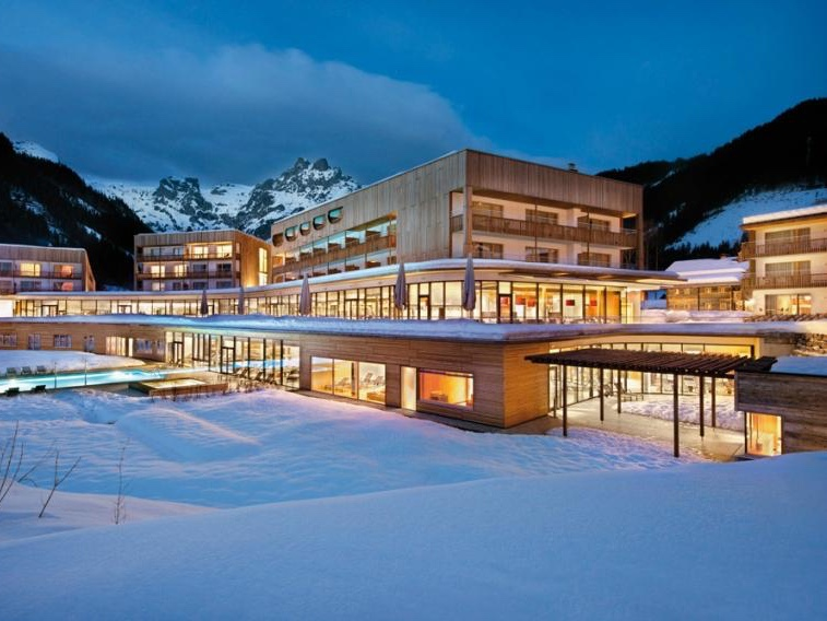 BHX to Salzburg   Flight time : 2h 10 (  Jet2Ski  )  Stay at :   Bergresort Werfenweng    Ideal for : Spa dwelling. This spot in Werfenweng is just 0.6 miles from the ski lift. If you fancy a day off the piste, lounge around the two pools