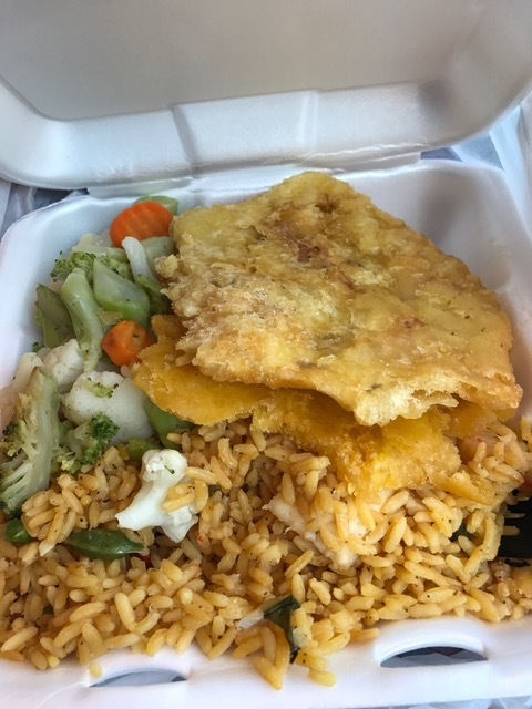 Arroz con camarones ,  Tostones  and steamed vegetables for $6!