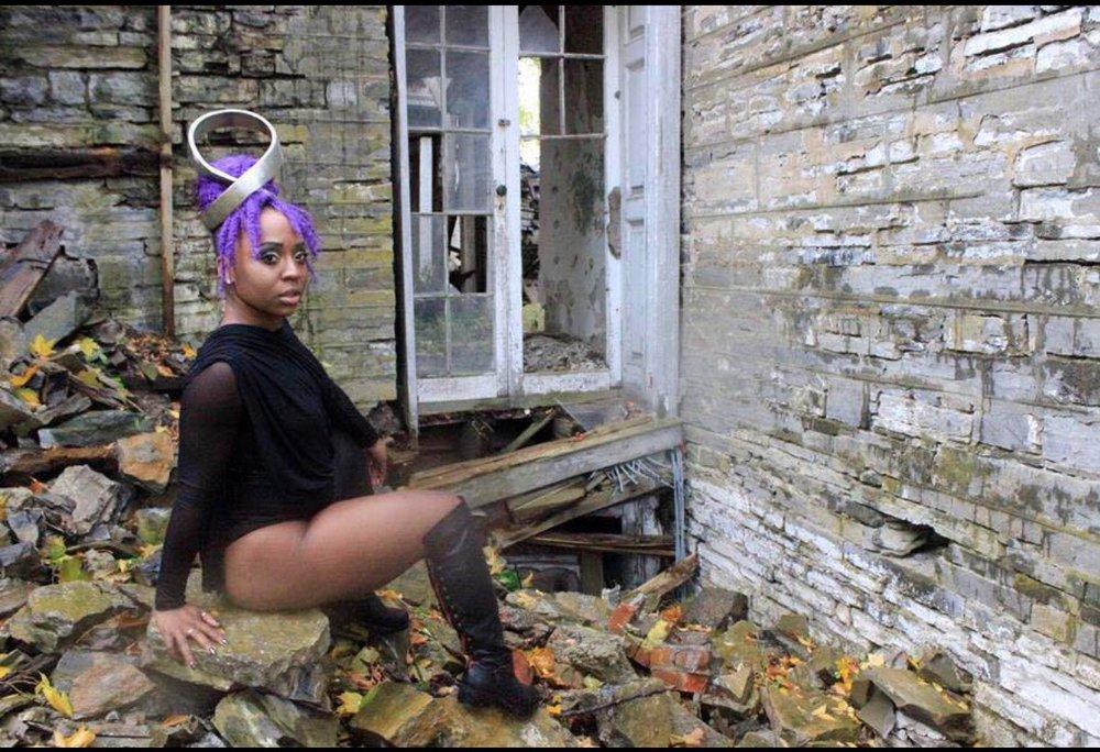 Keomi Tarver,@abundancewithkeo  Photo credit: @sayazake (William Walker) | Visual for 'Pray you catch me.'