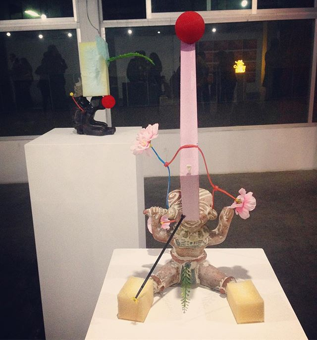 #aboutlastnight Ivan Krassoievitch @d_o_l_o_r_e_s_  @guadalajara90210 👌😍 ➖ #ivankrassoievitch #exhibition #groupshow #contemporaryart #sculpture #prehispanico #poetry #mexico
