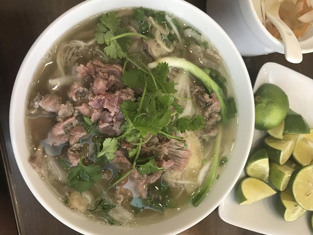Pho tai (rare beef) at Pho 10 Ly Quoc Su, 10 Lý Quốc Sư, Hàng Trống, Hoàn Kiếm, Hanoi