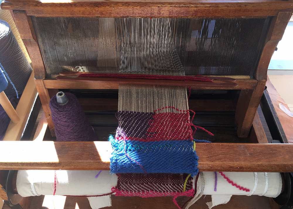 student's loom, in-progress, at the NCJWNY Council Lifetime Learning Center weaving studio, 2018