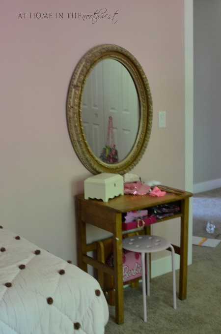 girls room 2 at home in the northwest