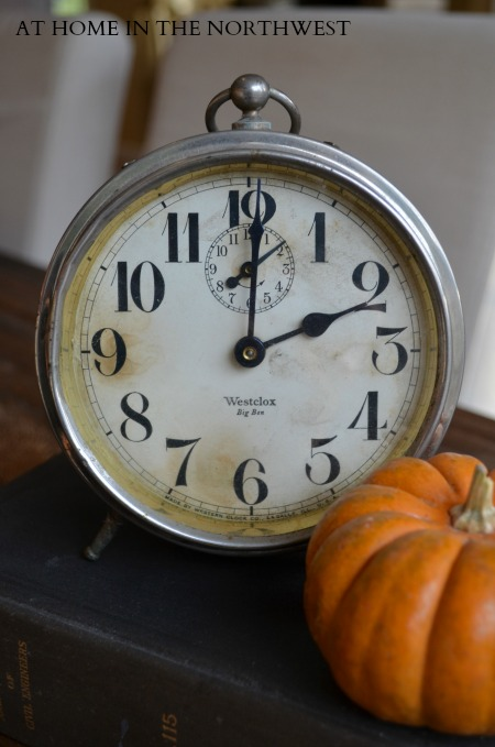 vintage clock  at home in the northwest