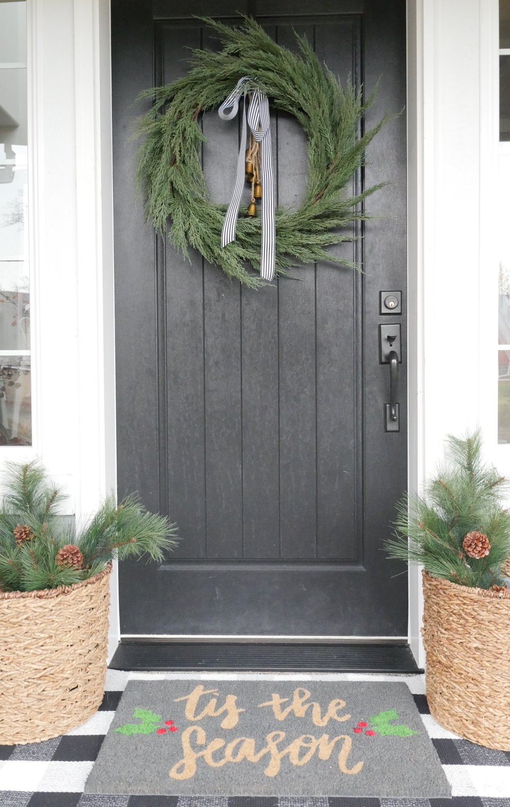 Jen Gilday Interiors - holiday front porch