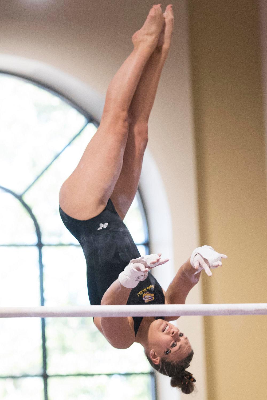 GymnasticsIntrasquad4180.jpg