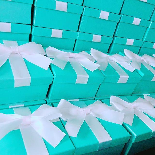 Breakfast at Tiffany's is always a way to go, these boxes are the cutest #events #wedding #birthdaygirl #weddingday #bridalshower #breakfastattiffanys #blue #philly #philadelphia #etsy #etsyshop #etsyseller #beachwedding #sweet16 #eventplanner