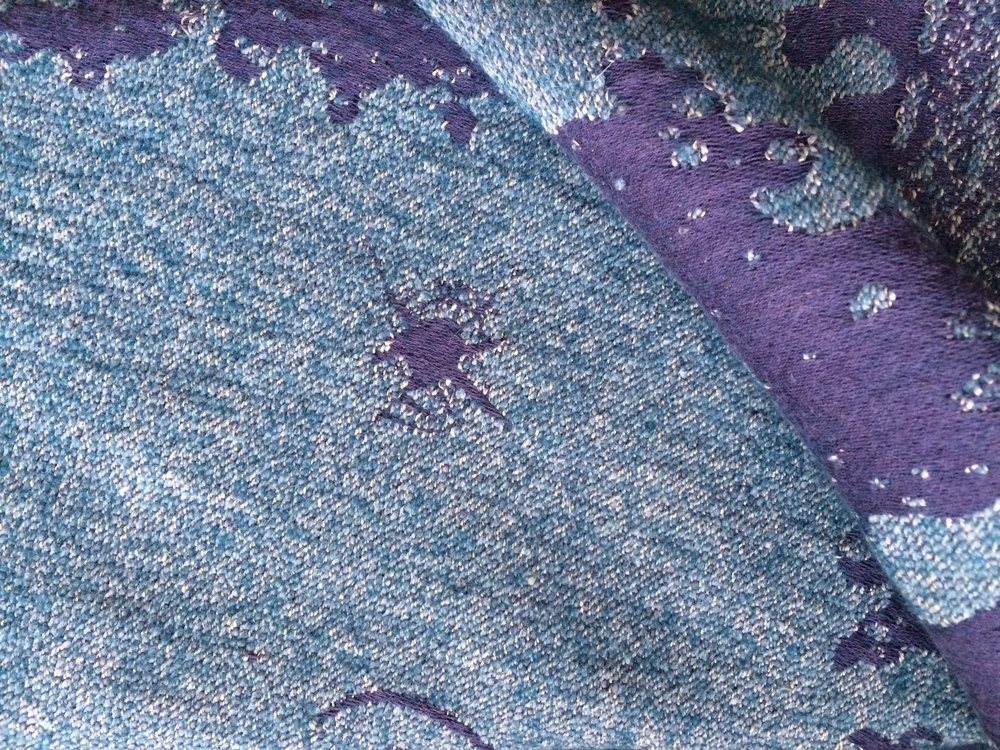 The combination of threads in Swell's weft