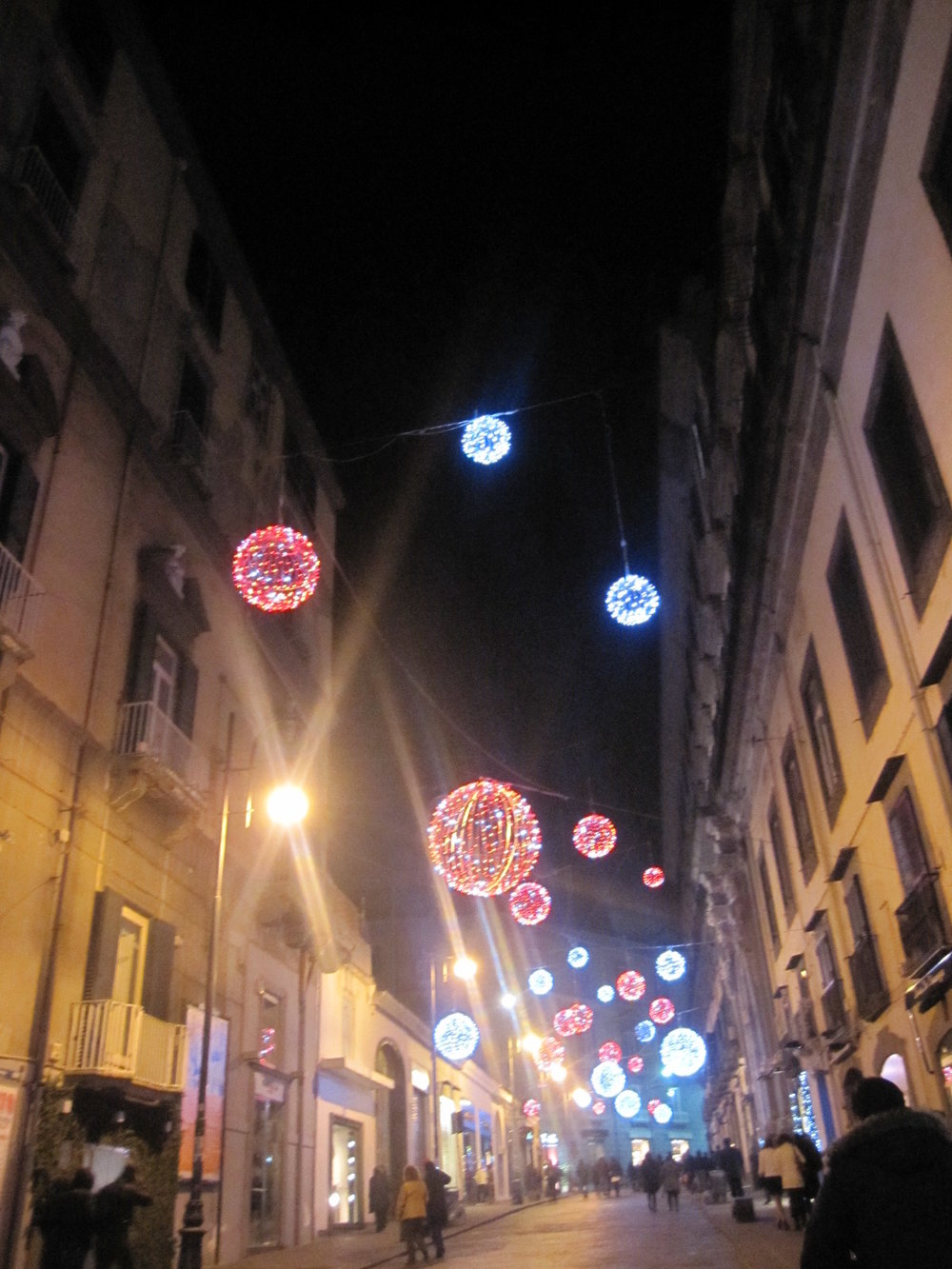 Decorations all around Napoli: via dei Mille.