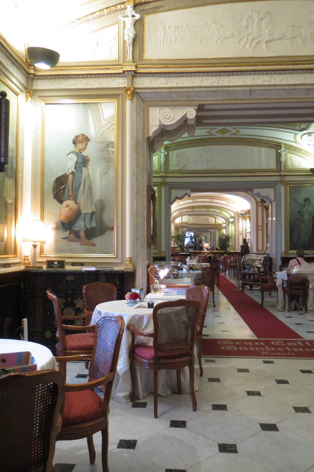 The elegant interior of the caffe' Gambrinus.