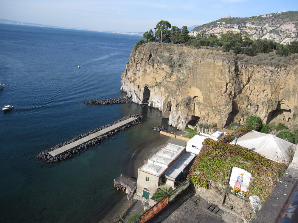 Family friendly beaches at Marina di Cassano in Piano di Sorrento.