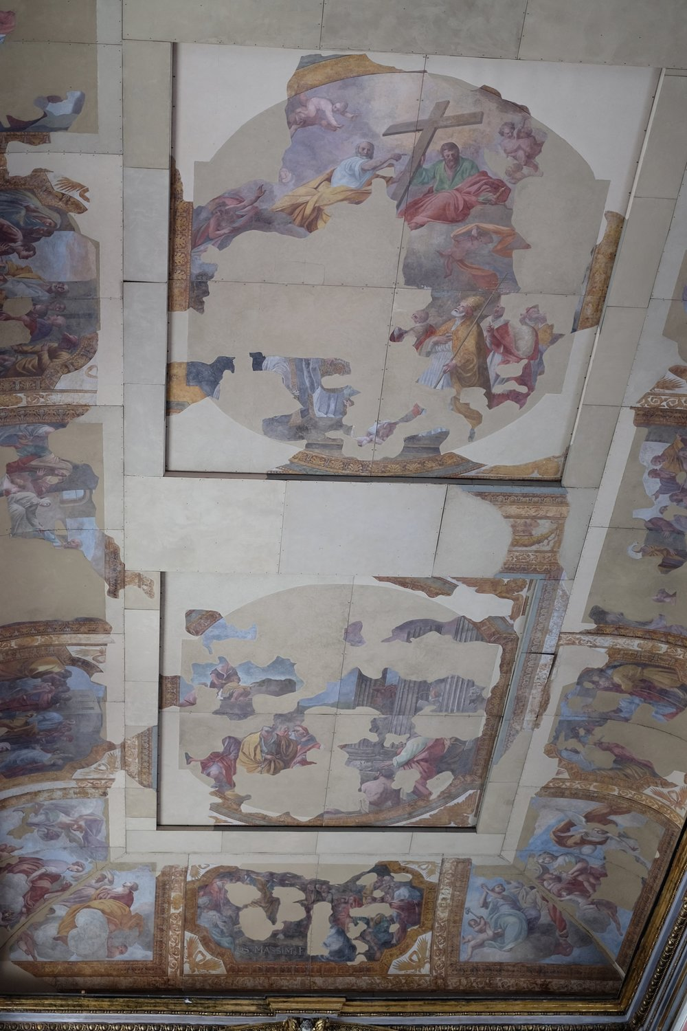 Rest of the ceiling.