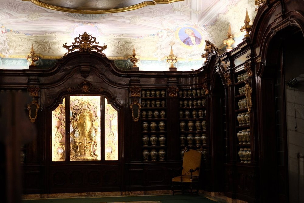 The large cabinets housing the majolica jars.