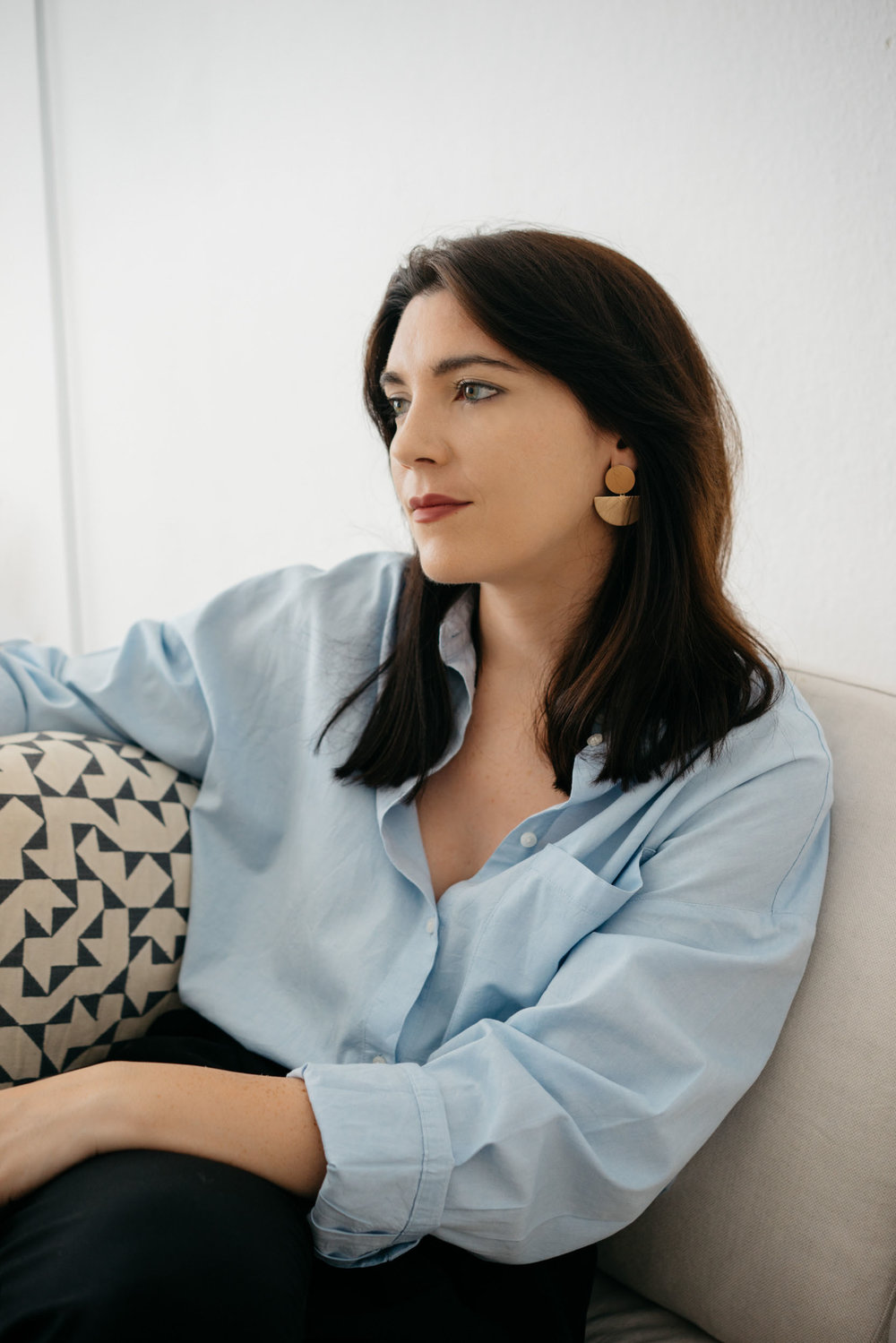 Profile of interior designer and set designer, Cally O'Loughlin from her office in Berlin where she also offers her packages worldwide online via eDesign