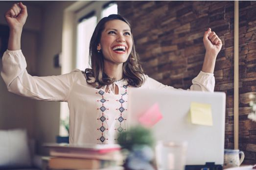 This woman is genuinely happy. Lindsey can help you get the happiness you deserve, too!  Lindsey Vertner, Life & Relationship Coach. Located in Bloomington, Indiana but working with clients nationally and worldwide!