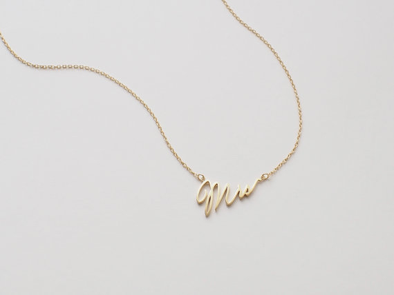 bridal-gift-idea-mrs-necklace