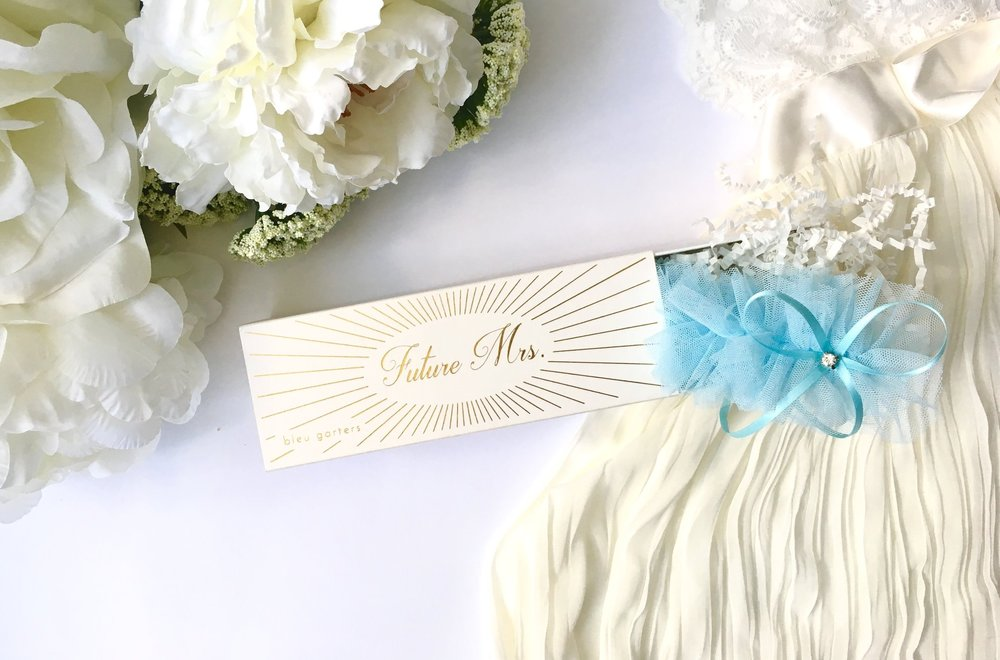 wedding-shower-gift-idea-something-blue-bridal-garter