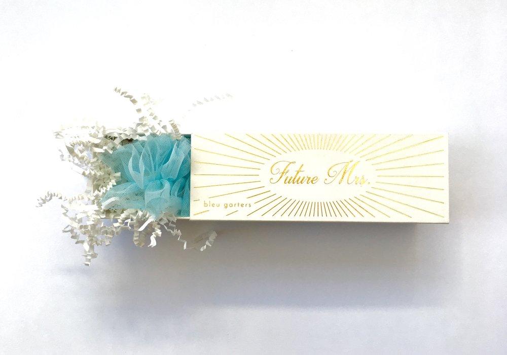 Bleu-Garters-White-Bridal-Box_2.jpg