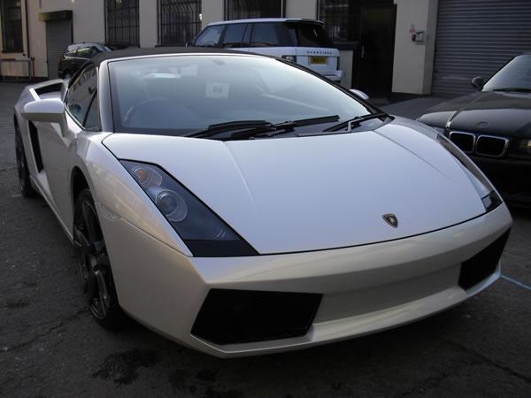 White-Lambo-001.jpg