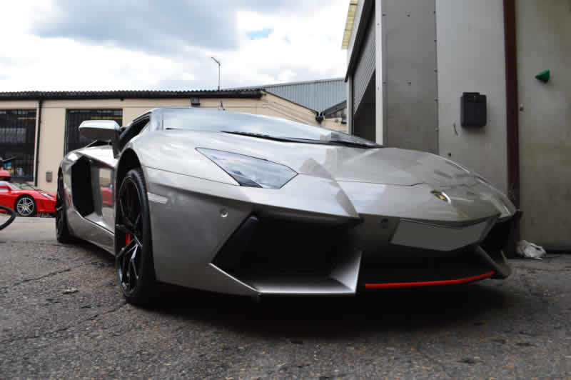 lamborghini accident repair in london