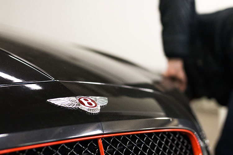 bentleyi-bodyshop-in-London.jpg