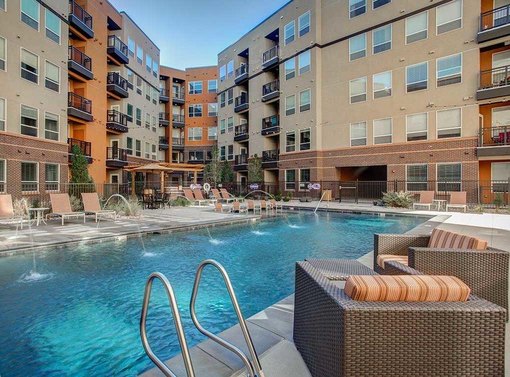 Denver LoDo Apartments at AMLI Riverfront Park