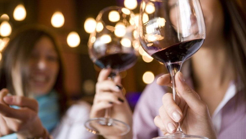Enjoy an amazing array of 150+ expert picked wines! Enjoy full-bodied and rich reds, crisp whites, many specialty wines — awesome wines for winter and beyond!  Hang out and meet up with other wine lovers while enjoying live jazz! New Jersey Harvest Wine Festival promises to be yet another great night of wine and merriment to remember.(Photo: off metro)   For more information click  here .