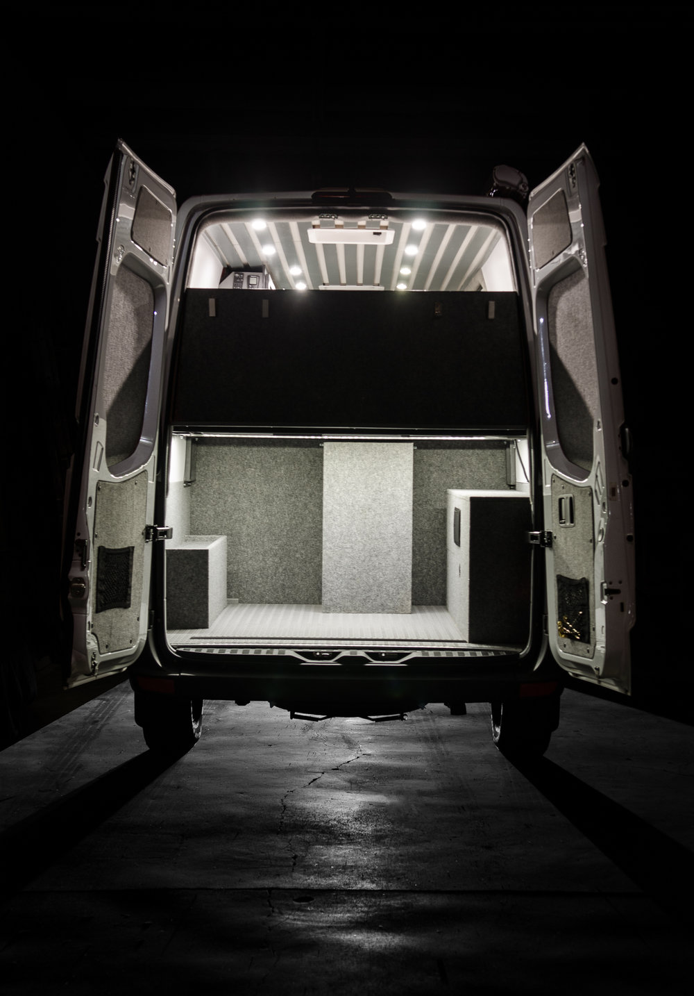 vanlife_moran_sprinter144_small-2.jpg