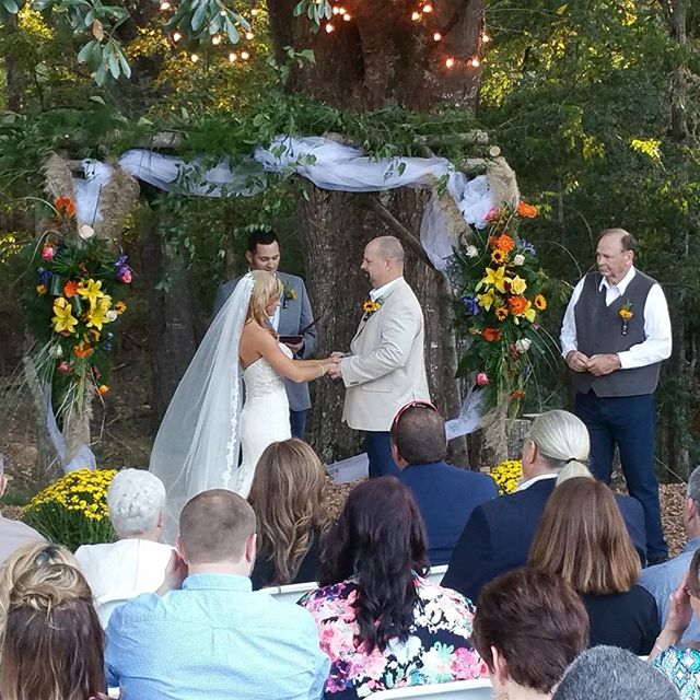 The new Mr & Mrs Brett McAlpin!