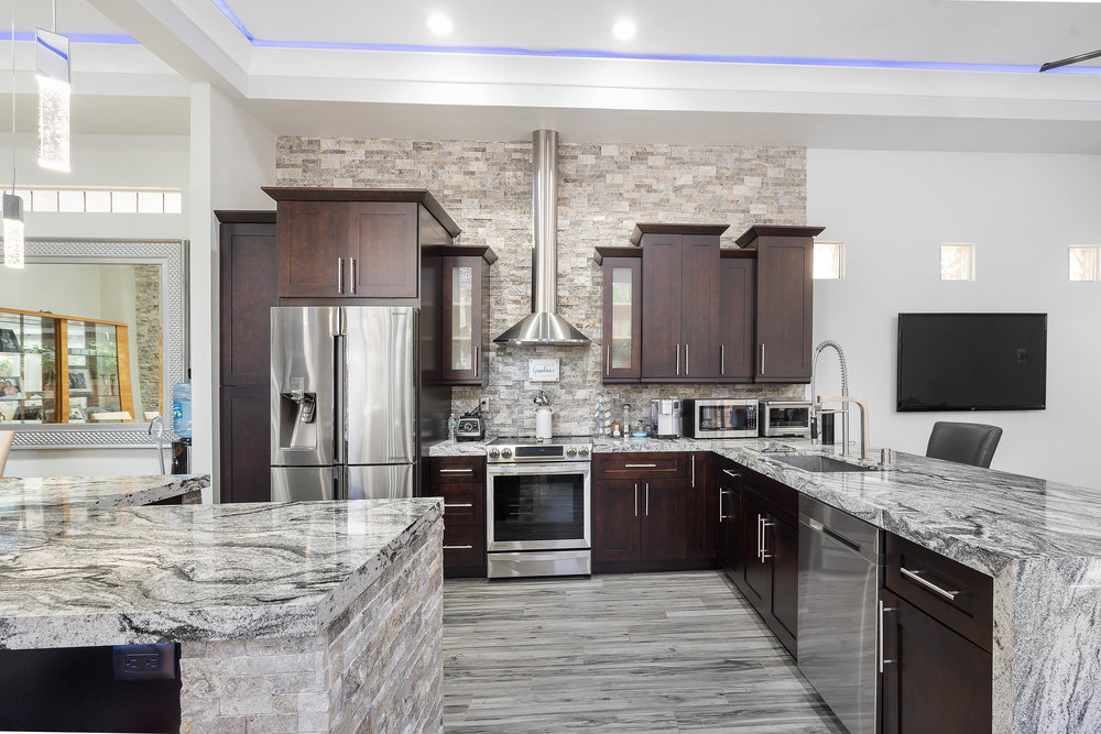 Material Highlights - Building all Wolf Designer cabinets to last, using premium materials to ensure a higher quality product. As a result, you can count on Wolf Designer cabinets to stand up to wear and tear, even in the busiest kitchen.