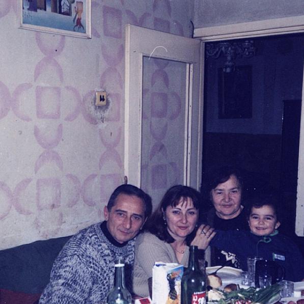 armenia-family-hakopians