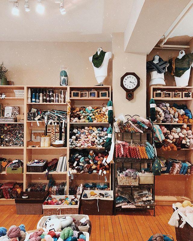 Cute little yarn shop 😌➿ #knittstagram #idontknitthough
