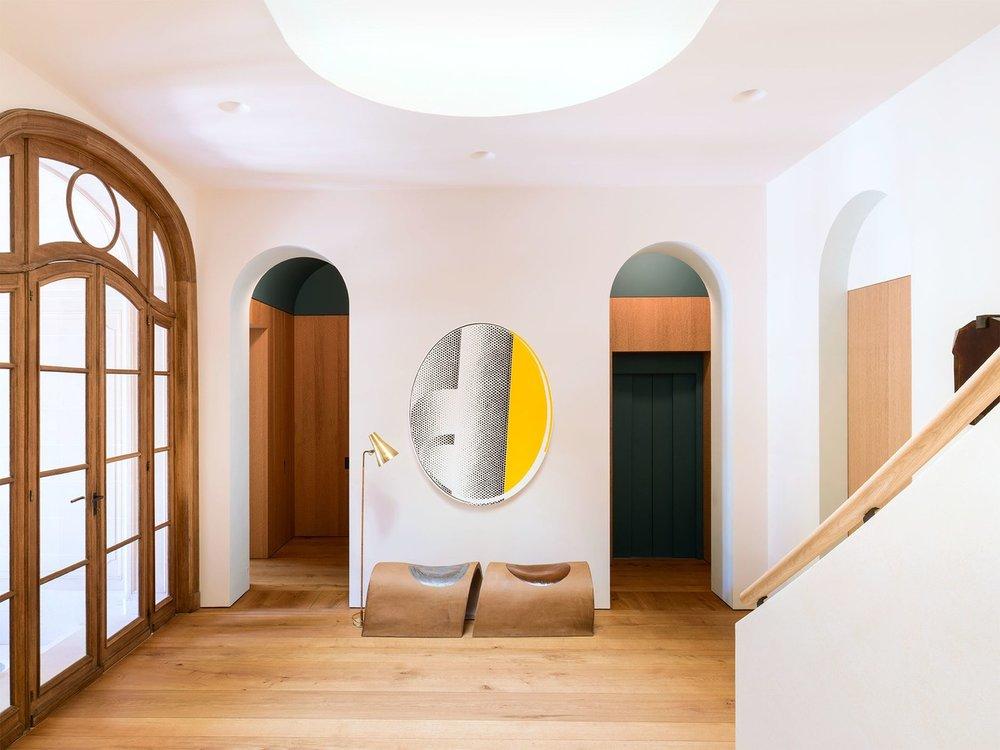 bonabode-yovanovitch-foyer.jpg
