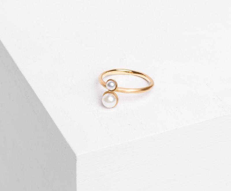 satomi-kawakita-double-pearl-ring.jpg