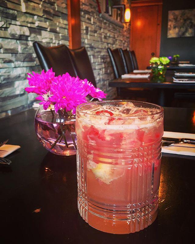 Raspberry & Lemongrass Cachaca Smash. 💖  #cachaça #craftcocktails #cocktailbar #cocktails #cocktailart #cocktailtime #craftcocktail #cowichanvalley #raspberry #featurecocktail #humpdaydrinks #lemongrass #lemongrasscocktail #downtownduncan #duncancitysquare #eatyourgarnish #vancouverislandlife #winebar #mixology #mixologist #mixologyart #alchemy #bartenderlife