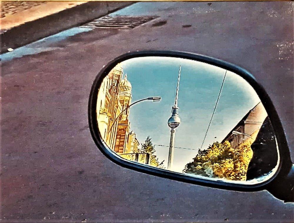 Oranienburger Straße Rückspiegel.jpg