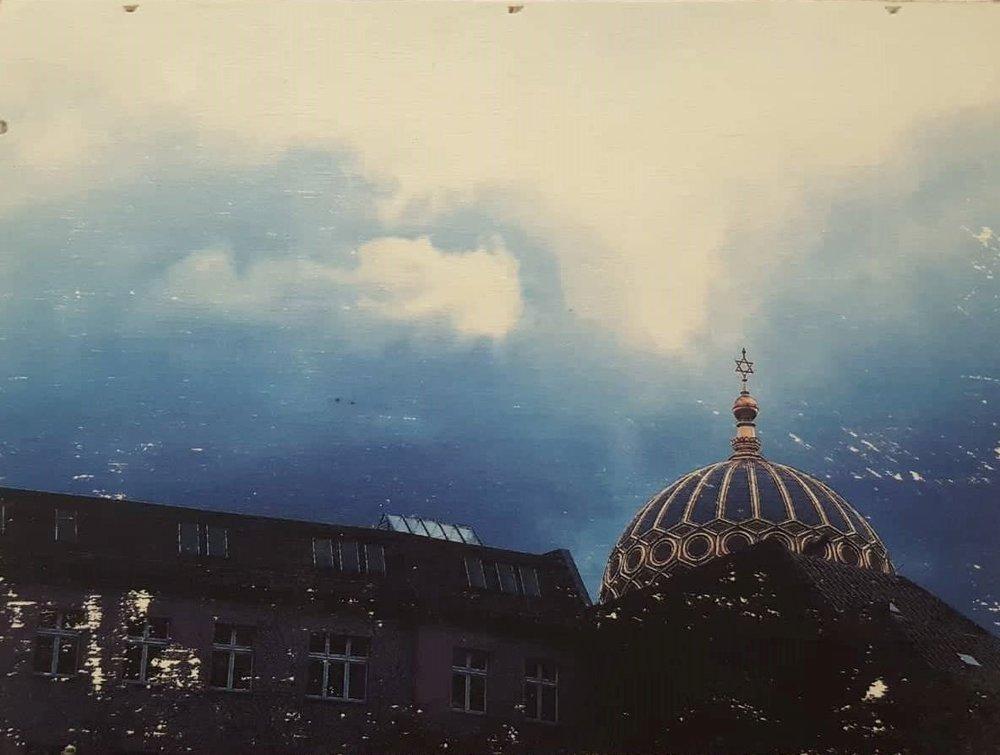 Synagoge im Abendhimmel.jpg
