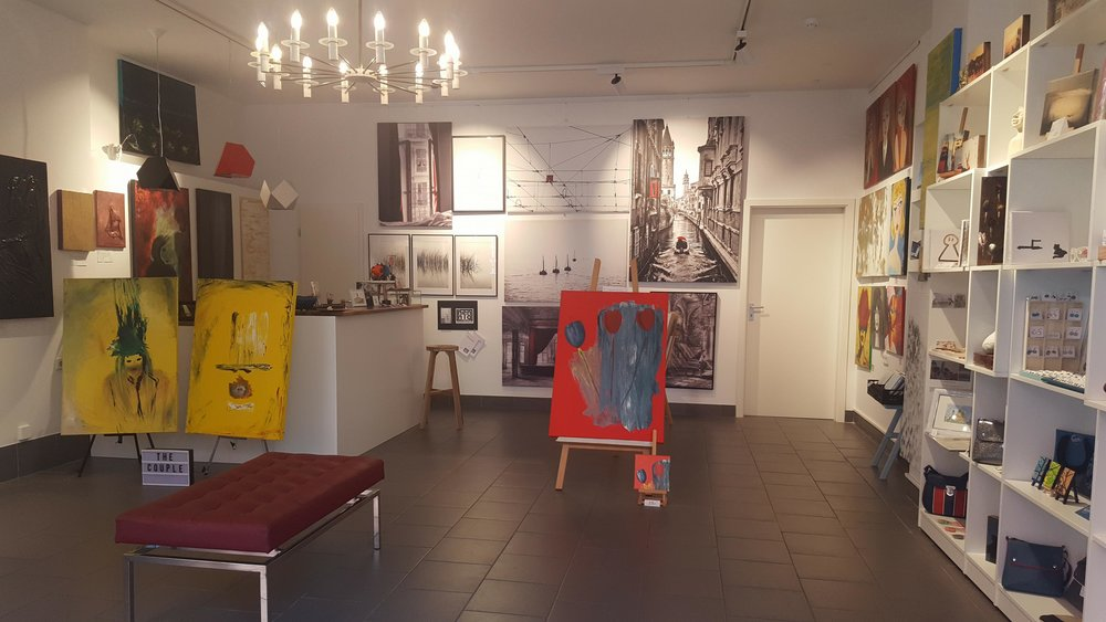 POP UP @CARO BERLINER ART GALLERY SHOP: - MANUFACTURED DESIGNS AND ORGINAL ARTWORKS BY BERLIN BASED ARTISTS AND DESIGNERS