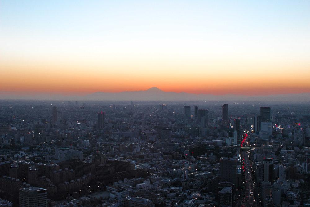 curio.trips.mt.fuji.sunset.jpg
