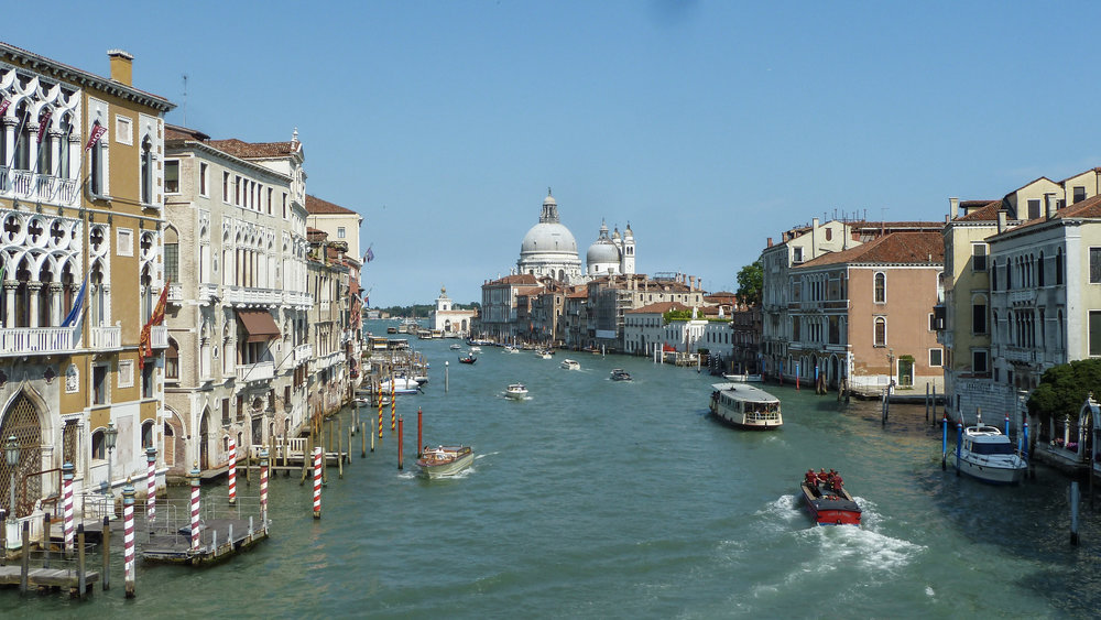 curio.trips.italy.venice.main.canal.view.jpg