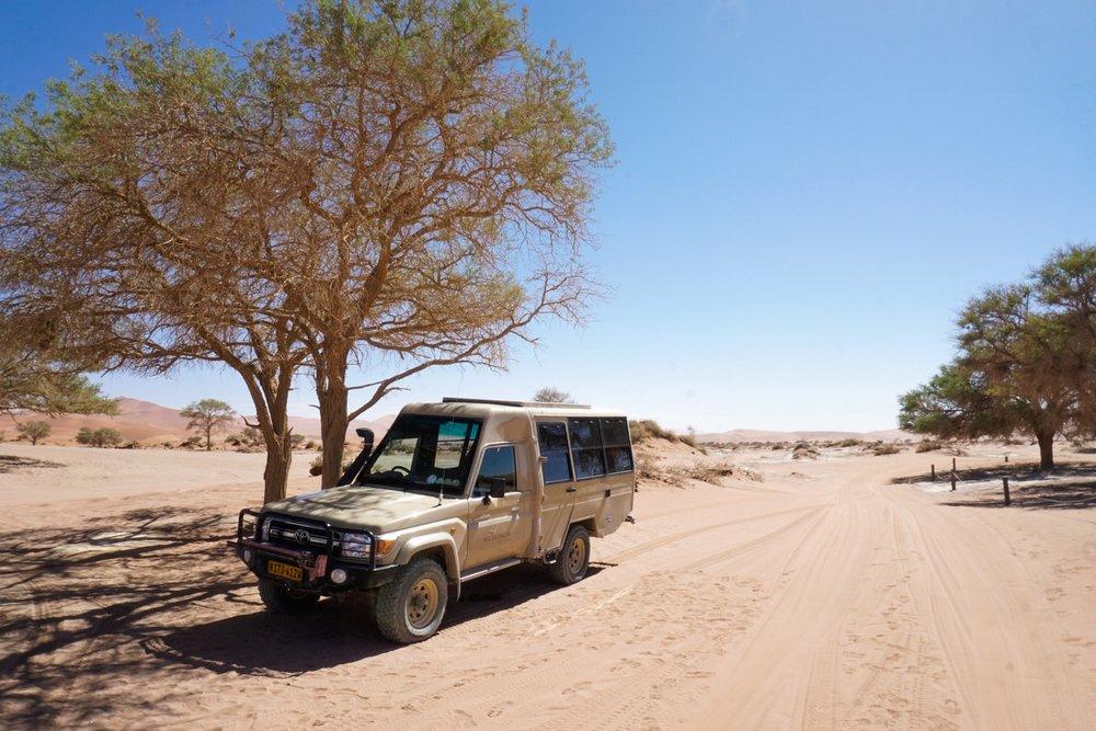 curio.trips.namibia.sossusvlei.road.car.jpg