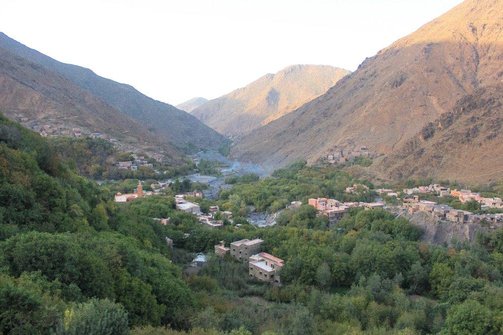 curio.trips.morocco.high.atlas.mountains.landscape.view.jpg