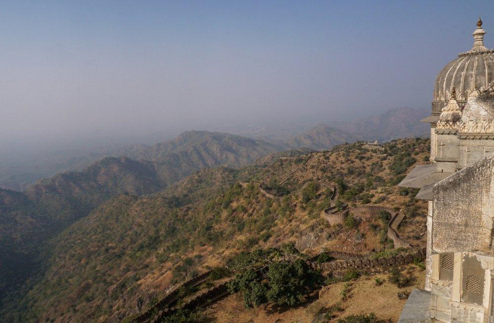 curio.trips.india.kumbalgarh.fort.view-2.jpg
