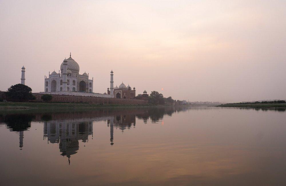 curio.trips.india.agra.taj.mahal.sunset.jpg